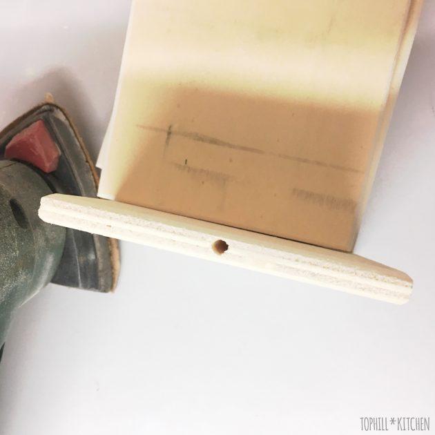 Geschliffene Holzbrettchen für Pflanzenstecker