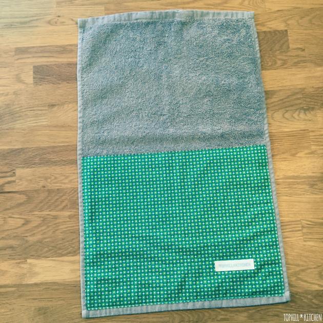 Fertig. Das mit Stoff benähte Handtuch sieht super aus.